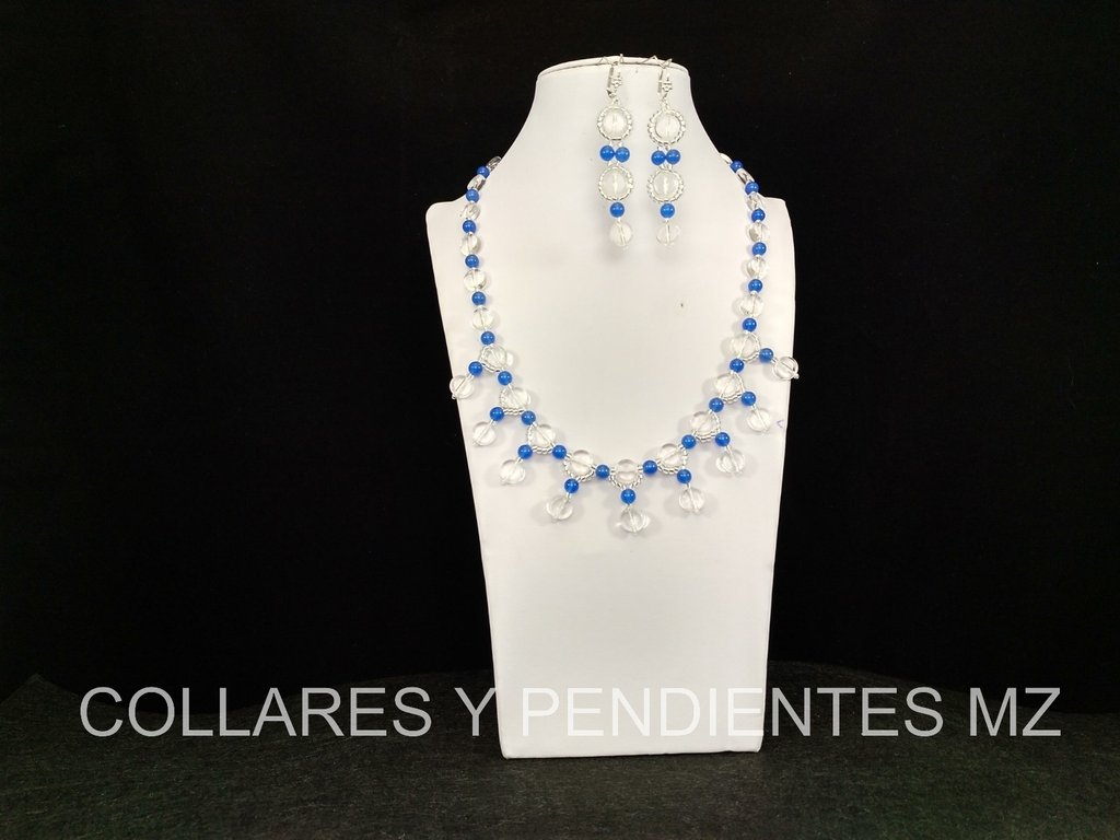 COLLAR ARTESANAL EN TEJOS REP. CHECA
