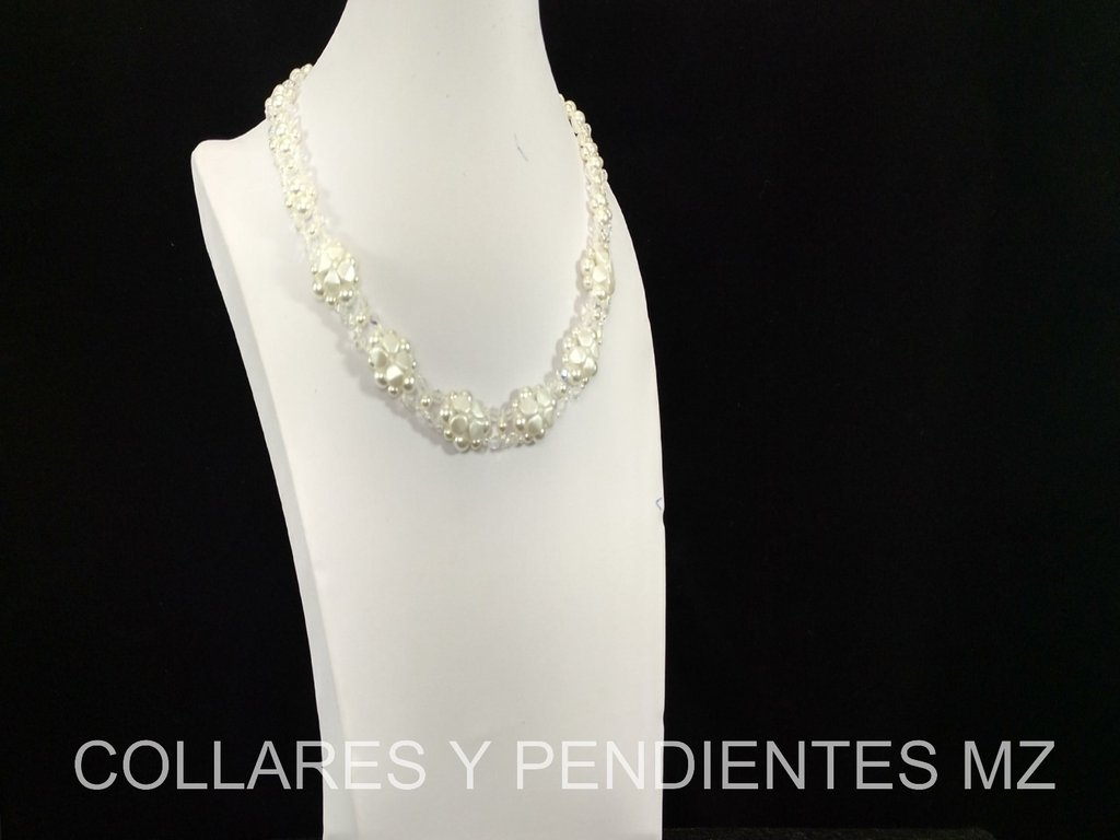 COLLAR EN PERLAS DE LA REPUBLICA CHECA